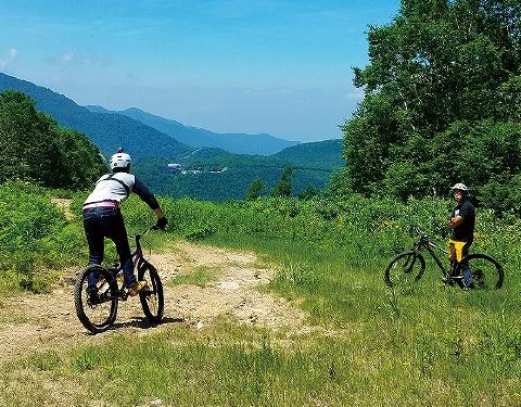 Image: MOUNTAIN CYCLING TOUR